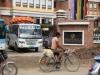 ab-auf-die-strassen-nepals